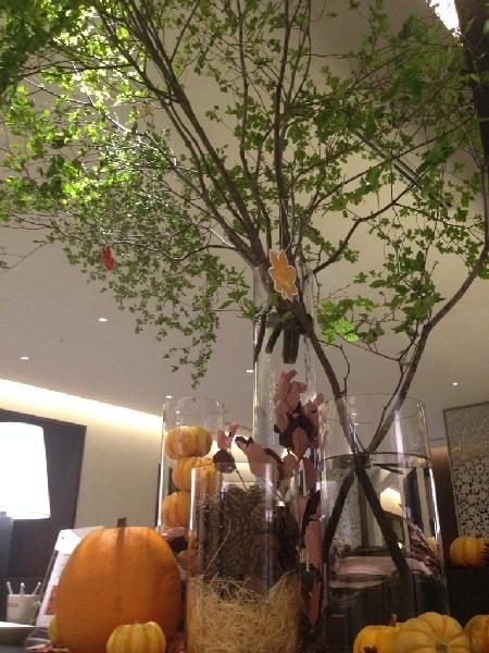 【福岡・ホテルフォルツァ博多】ロビーに秋が訪れました