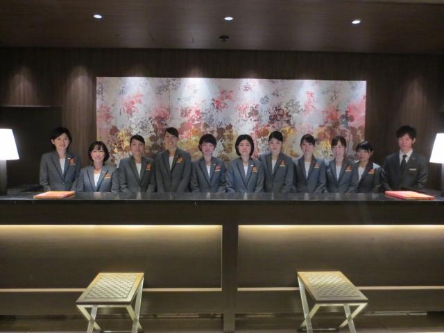 新しい制服に身を包んで…【福岡・ホテルフォルツァ博多開業カウントダウンあと14日】